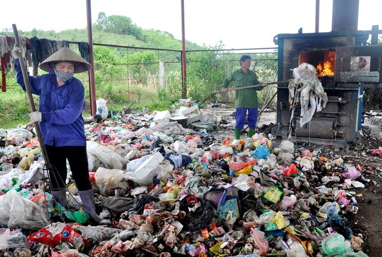 nguyên nhân gây ô nhiễm rác thải sinh hoạt do các hộ gia đình xử lý không đúng cách